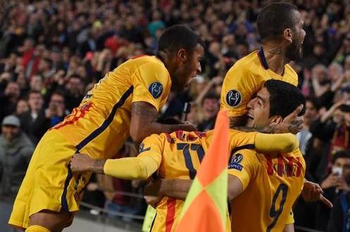 Champions: Barça, rimonta dopo lo spavento; Suarez picchia ancora sodo