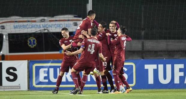 Serie B: il Cagliari spreca un'occasione a Como; bene Bari, Pescara e Trapani