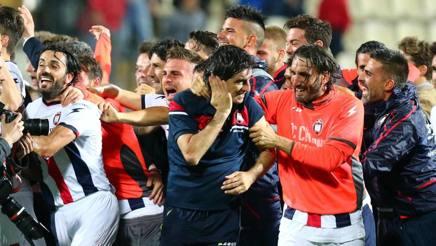 Serie B: Crotone e Cagliari, la matricola e la grande. Un elogio in rossoblù