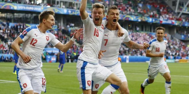 Euro 2016, c'è anche Repubblica Ceca-Turchia: fra speranze e delusioni