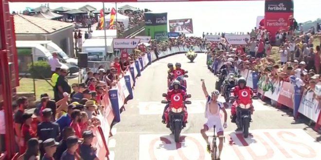 Vuelta a Espana 2016, Geniez primo sul Mirador de Ézaro. Paga Contador