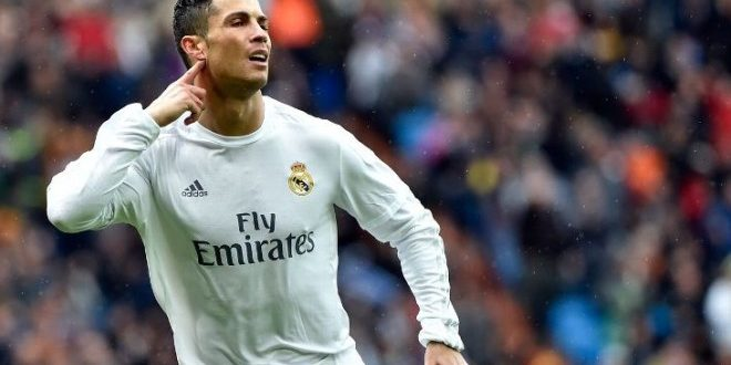 """Champions, quarti: Real-Bayern 4-2, merengues avanti con lo show di Ronaldo e gli """"aiuti"""""""