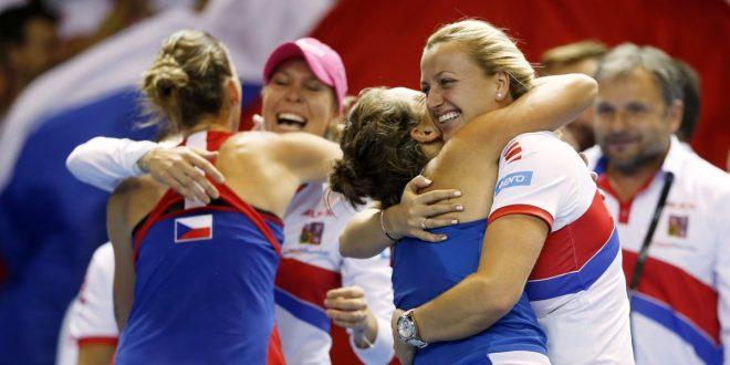 Fed Cup 2016, la Repubblica Ceca conquista la decima: Francia Ko per 3-2