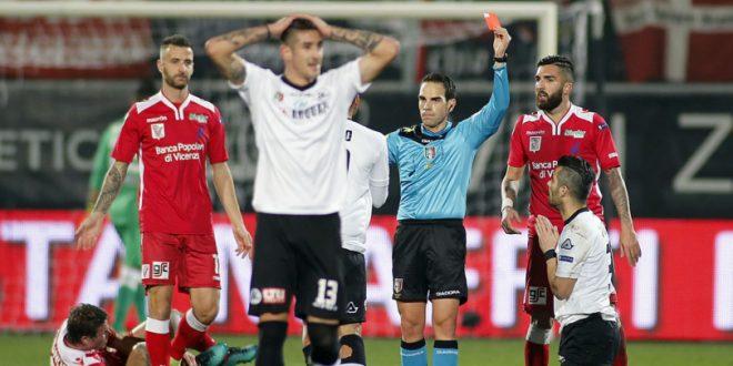 Serie B, 21ª giornata: Spezia in dieci per un'ora ma il Vicenza non ne approfitta, è 0-0
