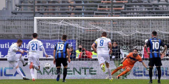 Serie B, 24ª giornata: il Frosinone vince il derby; Spal solo pari, Perugia-Brescia uno spettacolo