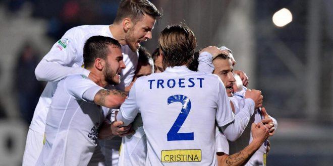 Serie B, 26ª giornata: Latina-Novara 0-1, colpo grosso con Galabinov. È crisi pontina