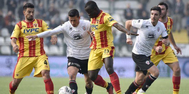 Serie B, 26a giornata: il Benevento vola a Vercelli; decolla il Bari, cade il Cittadella