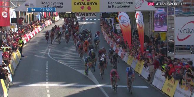 Giro della Catalogna 2017, Cimolai apre le danze. Battuti Bouhanni e Sbaragli