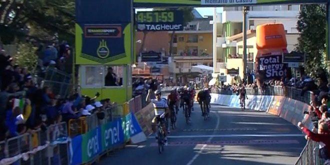 Tirreno-Adriatico 2017, Sagan festeggia a Montalto di Castro