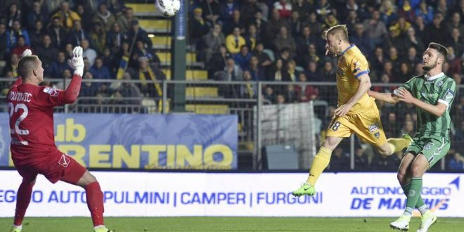 Serie B, 34ª giornata: Frosinone-Avellino 1-1, pareggio fra bomber; gli irpini fermano un'altra grande