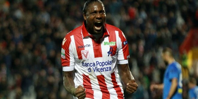 Serie B, 38ª giornata: Vicenza-Novara 3-1, tre punti d'oro per i veneti