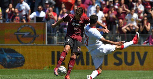 Serie B, 38ª giornata: Salernitana-Bari 0-0, il pari va bene ai pugliesi, meno ai campani