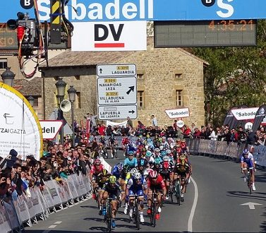 Giro dei Paesi Baschi 2017, spunto di Albasini a Elciego