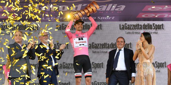 Orange? Pink! Tom 'olandese volante' Dumoulin storico al Giro 100