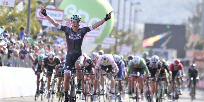 Giro d'Italia 2017, sorpresona a Olbia: Postlberger è la prima Maglia Rosa