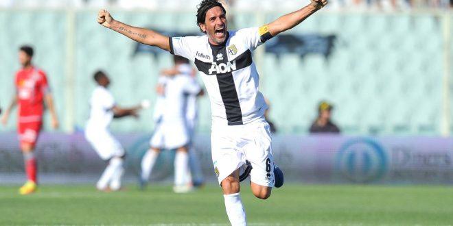 Serie B, bentornato Parma: Alessandria sconfitta 2-0 nella finale playoff, i crociati risorgono