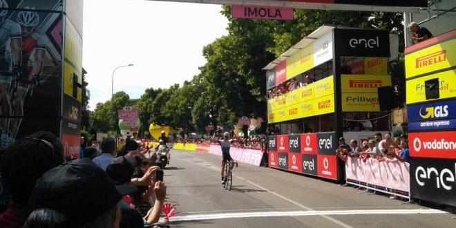 Giro d'Italia Under 23, a Imola è Powless ad aprire le danze