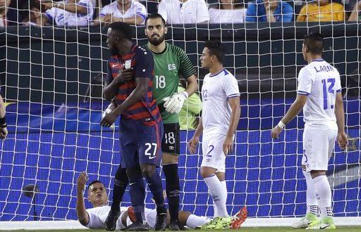 Gold Cup 2017 da prendere a morsi: due salvadoregni imitano Suarez, squalificati!