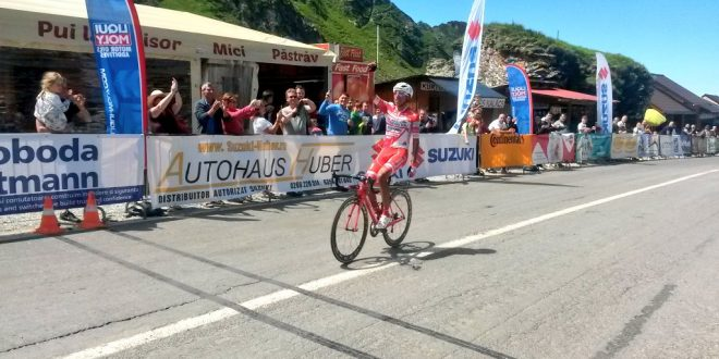 Sibiu Cycling Tour 2017, Egan Bernal detta legge in salita