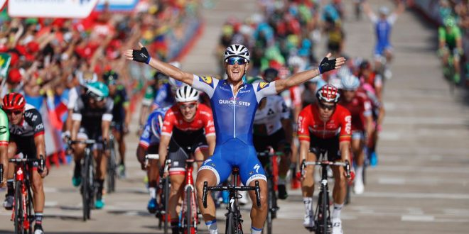 Vuelta a Espana 2017, ancora Italia: gioia Matteo Trentin a Tarragona