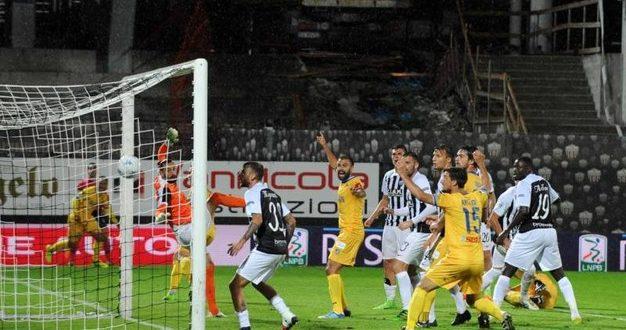 Serie B, 5ª giornata: Frosinone all'ultimo respiro, è primo! Crollano Carpi e Perugia