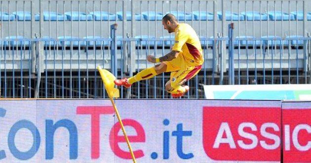 Serie B, il punto dopo la 6ª: il Perugia aggancia la vetta del Frosinone. E dietro è bagarre