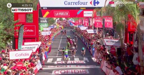 Vuelta a Espana 2017, tre volte Trentin! Battuto Moscon a Tomares