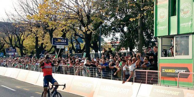 Il Lombardia 2017, Vincenzo Nibali nonumento azzurro: è trionfo a Como!