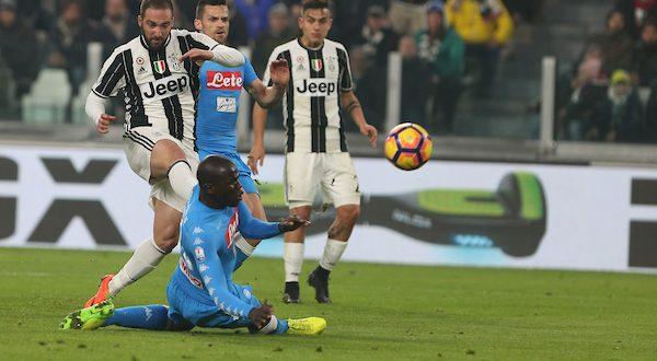 Serie A, verso Napoli-Juventus: Sarri se la gioca coi big; Allegri, il Pipita (non) ci sarà