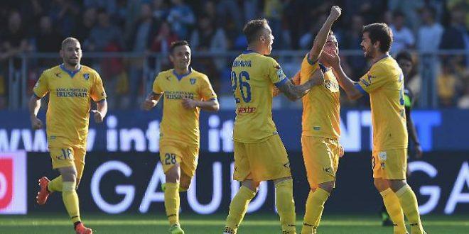 Serie B, 13ª giornata: Frosinone solo al comando; Venezia e Cremonese, che rimonte!