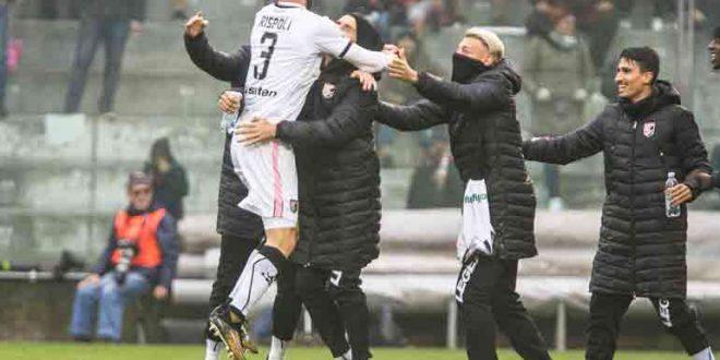 Serie B, 18ª giornata: Palermo, che prepotenza; 3-0 a Bari, è di nuovo vetta!