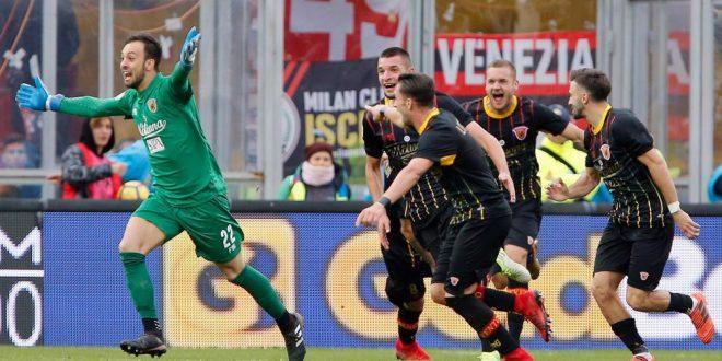 Serie A, 15ª giornata: il Benevento fa la storia con… il portiere! Milan, che legnata!