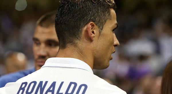 Pallone d'Oro 2017: ancora Ronaldo, è il quinto in carriera! Battuto Messi, Neymar 3°
