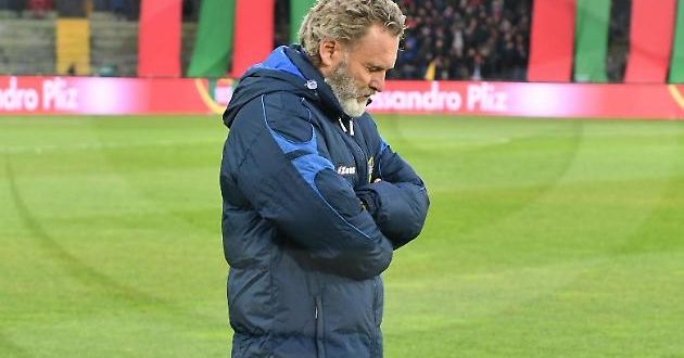 Serie B, 23ª giornata: Ternana-Salernitana 2-2, Pochesci esonerato