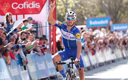 Giro dei Paesi Baschi 2018, Alaphilippe festeggia sul traguardo di Zarautz