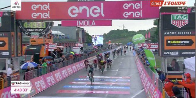 Giro d'Italia 2018, colpaccio Bennett a Imola
