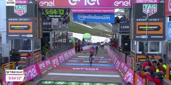 Giro d'Italia 2018, sul Gran Sasso è Yates l'Imperatore: Maglia Rosa prima, crisi Froome e Aru