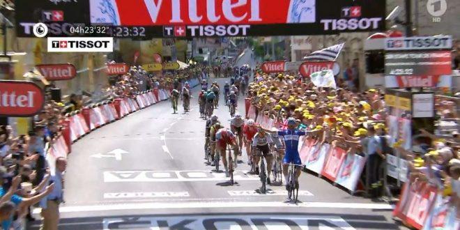 Tour de France 2018: Gaviria prima maglia gialla, Froome e Quintana già in ritardo