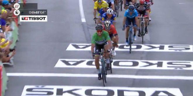 Tour de France 2018, a Quimper è di nuovo Sagan su Colbrelli