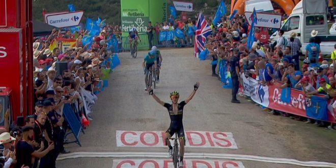 Vuelta a Espana 2018, tappa e maglia rossa per Simon Yates