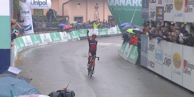 Giro dell'Emilia 2018, De Marchi compie il capolavoro