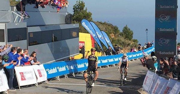 Vuelta Valenciana 2019, Adam Yates precede Valverde