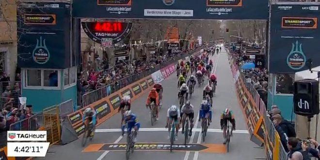 Tirreno-Adriatico 2019, Alaphilippe sorprende tutti a Jesi