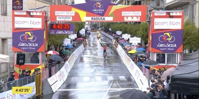 Giro di Sicilia 2019, McNulty sorprende tutti a Ragusa