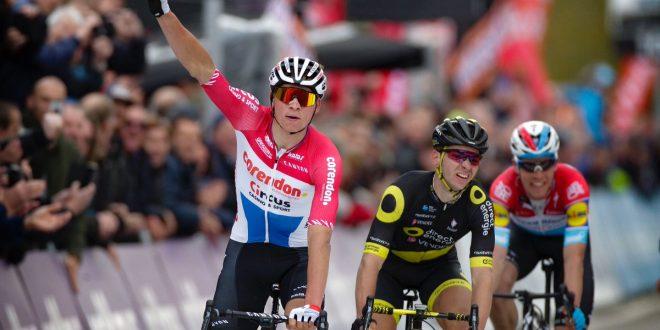 Dwars Door Vlaanderen 2019, colpo da campione di Van Der Poel