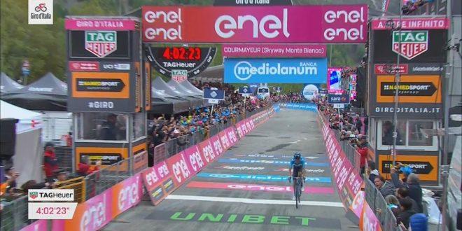 Giro d'Italia 2019, Carapaz trionfa a Courmayeur e si veste di rosa