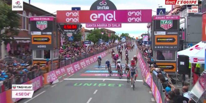 Giro d'Italia 2019, Cima beffa i velocisti: finale thriller a Santa Maria di Sala