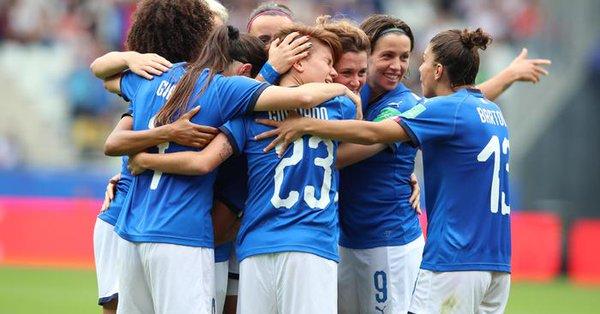 Mondiali calcio donne 2019, goleada Italia: 5-0 alla Giamaica e ottavi ipotecati