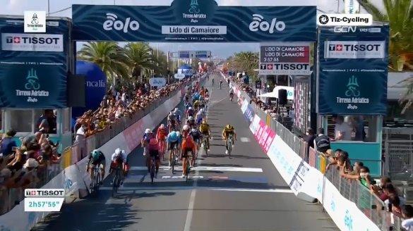 Tirreno-Adriatico 2020, Ackermann beffa Gaviria a Camaiore