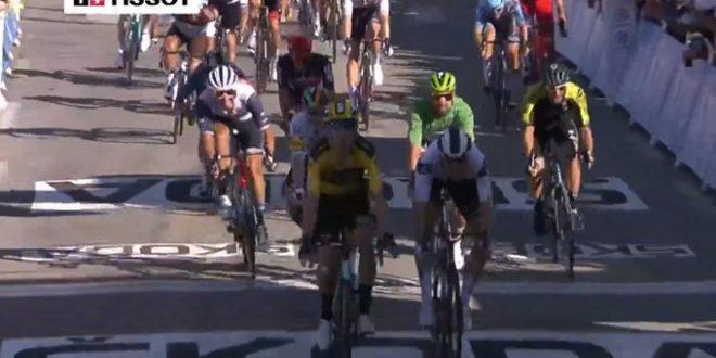 Tour de France 2020, Van Aert vincente a Privas. Yates in giallo